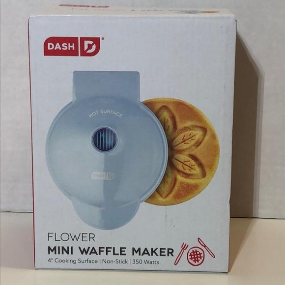 "4"" Dash Blue Flower Print Mini Waffle Maker"
